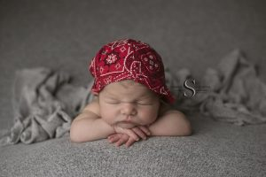 Read more about the article Grant | Oswego NY Newborn Photographer