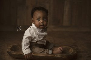 Read more about the article Elikem's 6 Month Session | Syracuse Family Photographer